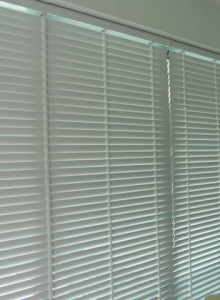 Dexter Wood Blinds (The Beverly Condo)